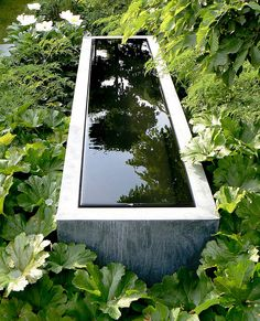 Great fountain, Laurent Perrier Garden   ---love the way the edge is always neat and not splashed because of the vanishing edge.