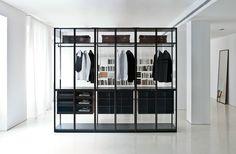 ウォークインクローゼット STORAGE Storage コレクション by Porro   デザイン: Piero Lissoni, Centro Ricerche Porro