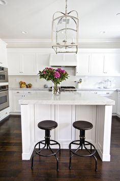 Kitchen Lights Remodeling Bright white kitchen with dark wood floors - San Clemente Home Tour with Shea McGee All White Kitchen, New Kitchen, Kitchen Decor, Kitchen Design, Kitchen Island, Kitchen Hoods, Granite Kitchen, Kitchen Layout, Kitchen Flooring
