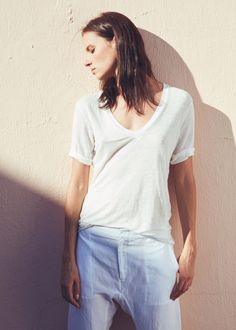 Emerson Luxe V Neck + Base Pant | @emersonfry #neridaco #ethicalstyle #ethicalfashion
