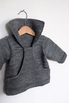 Neuen Ravelry: Pull Gaspard pattern by Christine Rouvillé., Ravelry: Pull Gaspard pattern by Christine Rouvillé. Baby Knitting Patterns, Knitting For Kids, Baby Patterns, Crochet Patterns, Sweater Patterns, Cardigan Pattern, Free Knitting, Knit Or Crochet, Crochet Baby