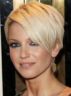 Pixie hair style is quite simple and will provide comfort to women over 40, because pixie cut could improve the confidence for these women in public. In addition, the hair style can be given a touch of dark colors that give the appearance of exotic and elegant for older women.