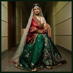 AnjuModi bride @anuja.1108 looks beautiful in an emerald green mashroo lehnga and a blush raw silk embellished blouse. The mint odhni compliments her look with a red ornate doshala to give the elegant bridal touch. #anjumodibride #anjumodiwomen #anjumodi anjumodi #anjumodicouture #heritage #HandcraftedinIndia #workofart #handemroidery #fabric #regal #opulent #luxuryfashion #exclusive #history #preview #anjumodi #anjumodicouture #ADecadeOfCouture #couturecollection #festiveseason #fdci…