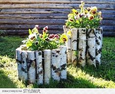 Garden flower beds diy ideas for 2019 Diy Garden Projects, Garden Crafts, Diy Garden Decor, Garden Art, Tire Garden, Diy Decoration, Rustic Gardens, Outdoor Gardens, Amazing Gardens