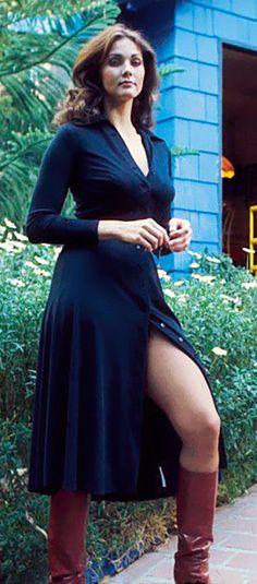 "vintageruminance: "" Lynda Carter "" Lynda Carter in a hot dress and boots Linda Carter, Merle Oberon, Shirley Jones, Veronica Lake, Judy Garland, Classic Beauty, Timeless Beauty, Viejo Hollywood, Celebrity Boots"