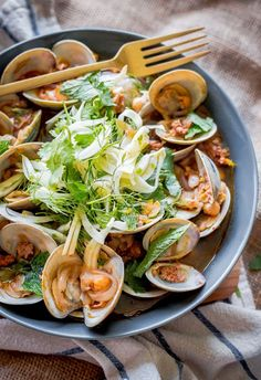 Negra Modelo Steamed Clams with Chorizo and Shaved Fennel-Herb Salad #clams #chorizo #salad