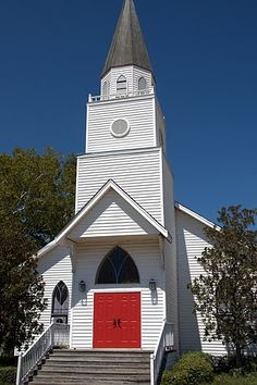 I used to go to a small white church similar to this.  There were 3 girls and 3 boys my age so this is where I met my first friends.  Lots of memories with the 6 of us through the years!