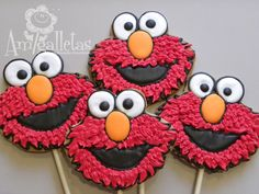 Elmo Cookies by Amigalletas on Etsy Elmo Cookies, Pink Cookies, Galletas Cookies, Royal Icing Cookies, Cupcake Cookies, Sugar Cookies, Sesame Street Cake, Sesame Street Cookies, Elmo Birthday