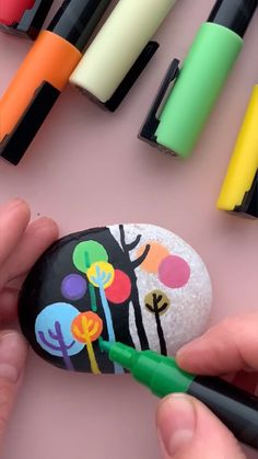 Rock Crafts, Crafts To Make, Arts And Crafts, Painted Mugs, Hand Painted Rocks, Dot Painting, Stone Painting, Paint Pens For Rocks, Rock And Pebbles