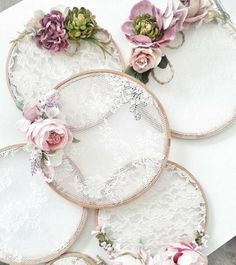 Embroidery hoop lace dream catchers 32 Ideas for 2020 Embroidery Hoop Crafts, Wedding Embroidery, Lace Embroidery, Embroidery Ideas, Lace Dream Catchers, Dream Catcher Decor, Decoration Shabby, Diy And Crafts, Arts And Crafts