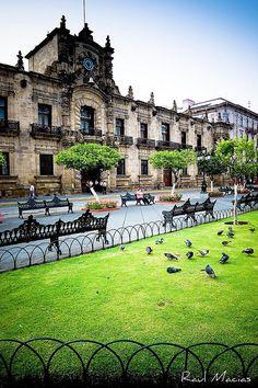 Palacio de Gobierno Centro Guadalajara Jalisco Mexico by raulmacias, via Flickr    salutaris.mx