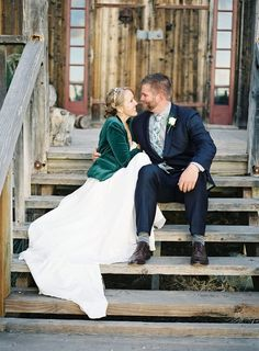 Fall weddings inspire – ah, all that falling leaves romance! But sometimes the weather can be chill and you need a cover up not to catch a cold. You can look stylish in a cape, cover up or shawl, just find your own style!