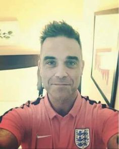 Hi from Robbie Williams! Robbie Williams Take That, S Williams, Male Beauty, Orchestra, Future Husband, Singer, My Love, Celebrities, Fancy
