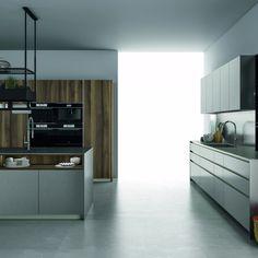 FENIX NTA (NanoTechAlloy) - aceleași proprietăți miraculoase ale FENIX NTM (NanoTechMatt): reparabil cu ajutorul căldurii, rezistent la zgârieturi, mătăsos la atingere și anti-amprentă - dar cu aspect metalic Fenix Ntm, Kitchen Cabinets, Design, Home Decor, Decoration Home, Room Decor, Cabinets, Home Interior Design