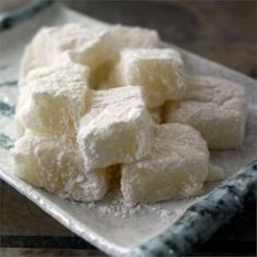 MIcrowave Mochi - A microwavable form of the Japanese dessert made with sweet rice flour. More varied and interesting flavors are available as well. Mochi Recipe Microwave, Microwave Recipes, Cooking Recipes, Sushi Recipes, Asian Recipes, Yummy Recipes, Vegetarian Recipes, Japanese Dishes, Japanese Recipes