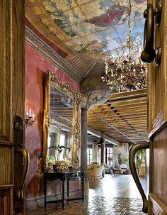 Dream Home ~ Gerard Butler's NY Loft