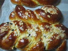 Παραδοσιακές και όχι μόνο συνταγές που προσδοκούμε να τα απολαύσετε. Greek Desserts, Greek Recipes, Cheesecake Brownies, Pretzel Bites, French Toast, Recipies, Bread, Breakfast, Pierogi