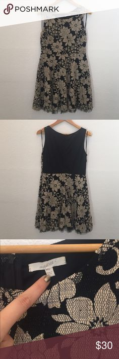 Mystree floral dress Beautiful dress, like new Mystree Dresses