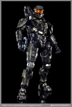 Helmet Armor, Suit Of Armor, First Person Shooter Games, Sci Fi Armor, Armor Concept, Main Character, Robotics, Helmets, Knights