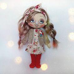 #текстильнаякукла #куклаизткани #кукла #колготки #платье #красный #куртка #косы #хэндмейд #хобби