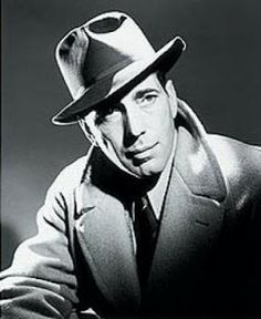 Humphrey Bogart by George Hurrell Old Hollywood Glamour, Hollywood Actor, Golden Age Of Hollywood, Hollywood Regency, Hollywood Stars, Classic Hollywood, George Hurrell, Classic Film Noir, Classic Movie Stars