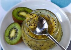 Kiwi Jam - mashed kiwi, banana, lemon zest, cinnamon and sugar. Jam Recipes, Canning Recipes, Raw Food Recipes, Healthy Recipes, Kiwi Jam, Kiwi And Banana, Banana Jam, Jam And Jelly, Meals In A Jar