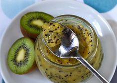 Kiwi Jam - mashed kiwi, banana, lemon zest, cinnamon and sugar. Jam Recipes, Canning Recipes, Raw Food Recipes, Healthy Recipes, Banana Jam, Kiwi And Banana, Kiwi Jam, Jam And Jelly, Meals In A Jar