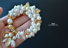 Handmade Pearl Jewelry, Handcrafted Jewelry, Beaded Jewelry, Diy Bracelets And Anklets, Jewelry Bracelets, Weird Jewelry, Jewelry Model, Jewelry Crafts, Wedding Jewelry