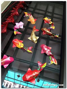 Maybe I'll try my hand at origami. I used to do it all da time. Ang Pao Fish t. - Maybe I'll try my hand at origami. I used to do it all da time. New Year's Crafts, Crafts To Do, Crafts For Kids, Arts And Crafts, Origami Fish, Origami Paper, Dollar Origami, Origami Ball, Easy Origami