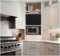 Картинки по запросу где повесить телевизор на угловой кухне фото