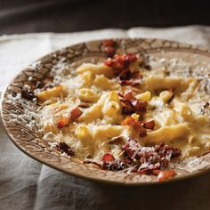 Gourmet macaroni cheese and chardonnay Braai Recipes, Gourmet Recipes, Healthy Recipes, Healthy Food, Macaroni Cheese Recipes, Pasta Recipes, Gourmet Cooking, Small Meals, Winter Food