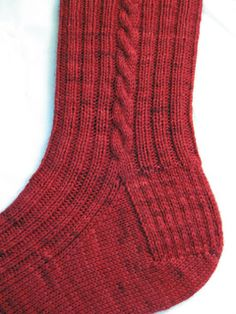 Ravelry: Basic Cabled Socks pattern by Brainylady Knitted Socks Free Pattern, Crochet Socks, Knitted Slippers, Knit Or Crochet, Knitting Patterns Free, Knit Patterns, Free Knitting, Baby Knitting, Cable Knit Socks