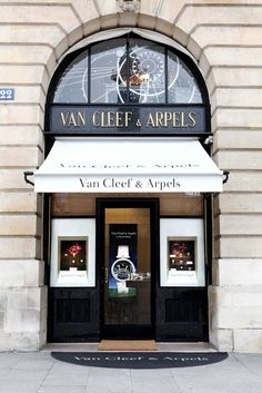 Van Cleef & Arpels, Place Vendome, Paris