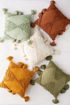 Clothing, accessories and apartment items for men and women. Baby Pillows, Throw Pillows, Pillow Inspiration, Punch Needle, Embroidery Techniques, Soft Furnishings, Decorative Pillows, Weaving, Crafty