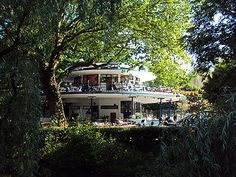 BLAUWE THEEHUIS in Vondelpark is a really great place for a coffee or beer on a sunny day! Bring your doggie or your kids.