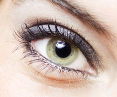 Make-up for green eyes. Pin now read later!