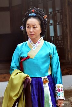 "Hur Jun, The Original Story (Hangul: 구암 허준;RR: Guam Heo Jun) is a 2013 South Korean television series about the life of Heo Jun, a commoner who rose up the ranks to become a royal physician in Joseon (he used the pen name""Guam""). It aired on MBC.  Heo Jun was the author of the famed oriental medicine textbook Dongui Bogam (lit. ""Mirror of Eastern Medicine""), considered the defining text of traditional Korean medicine."