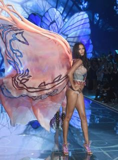 NEW YORK, NY - NOVEMBER 10: Model and New Victoria's Secret Angel Lais Ribeiro from Brazil walks the runway during the 2015 Victoria's Secret Fashion Show at Lexington Avenue Armory on November 10, 2015 in New York City. (Photo by Jamie McCarthy/Getty Images)
