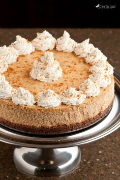 Best Pumpkin Cheesecake Recipe - Chew Out Loud Pumpkin cheesecake is dense, rich, and smooth. Pumpkin and cheesecake fans' dream come true. Move over, Cheesecake Factory! The Cheesecake Factory, Best Pumpkin Cheesecake Recipe, Pumpkin Recipes, Flan, Savoury Cake, Clean Eating Snacks, Food Processor Recipes, The Best, Deserts
