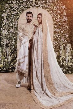 Beautiful Chikankari Outfits We Are Loving Right Now! Asian Bridal Dresses, Desi Wedding Dresses, Indian Bridal Outfits, Indian Bridal Fashion, Indian Designer Outfits, Asian Bridal Wear, Wedding Sari, Punjabi Wedding, Designer Bridal Lehenga