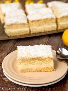 cubes with lemon cream Cubes, Brownie Cheesecake, Lemon Cream, Vanilla Cake, Creme, Food And Drink, Snacks, Simple, Postres