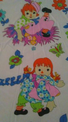 Vintage carrot orange top Raggedy Ann & Andy bright colored bedsheet  bedspread