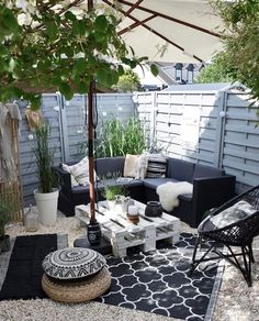 black and white patio decor