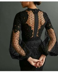 It's all about details ✔️ @eliesaabworld ❤️ via @fashionstyles2me ❤️ Hipster Fashion, 90s Fashion, Fashion Tips, Fashion Outfits, 90s Outfit, Vintage Inspired, Goth, Retro, Clothes
