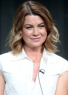 Ellen Pompeo Medium Wavy Cut - Ellen Pompeo wore casual yet cute shoulder-length waves at the 2015 Summer TCA Tour.