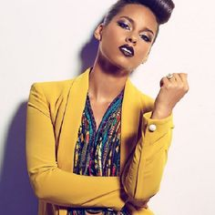 Alicia Keys looks amazing. The dark lips and eyes brings an edge to this look