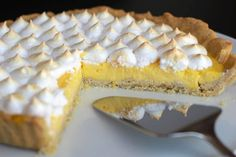 Lemon tart {slightly sweet} with Thermomix Meringues Thermomix, Dessert Thermomix, Easy Gluten Free Desserts, Fun Desserts, Dessert Recipes, Lemon Recipes, Tart Recipes, Healthy Recipes, Junk Food