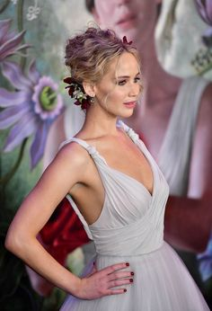 Jennifer Lawrence Looks Like A Princess Bride In First Red Carpet Photos With Boyfriend Darren Aronofsky