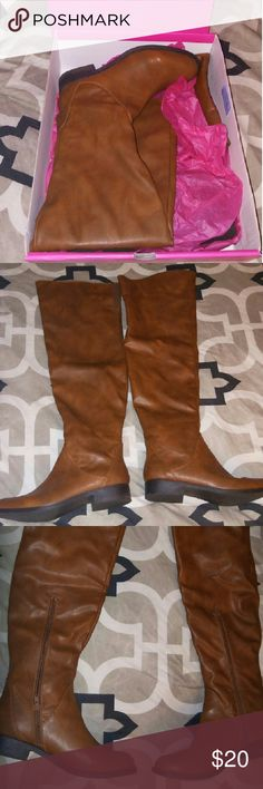 Over the knee boots! 🍁🍂 Over the knee boots in fabulous condition! Only worn one time- look brand new! 😍Beautiful & trendy cognac color for fall & winter! Will ship to you in original box- these have been kept in the box. Non smoking home. Happy poshing! 🌻✌💛 Shoe Dazzle Shoes Over the Knee Boots