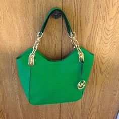 Amazing color A beautiful handbag by non other then Michael Kors.trading PayPal Michael Kors Bags
